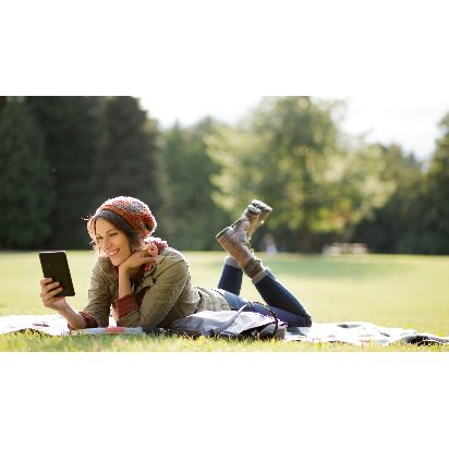 Kindle-Outdoor-Reading.jpg